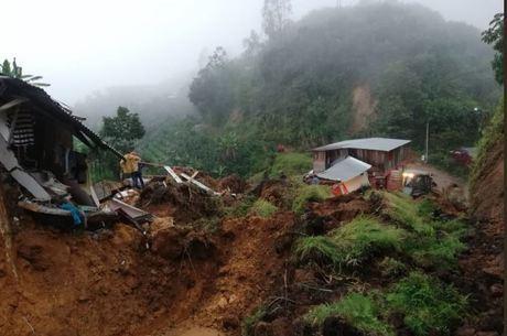 Deslizamento deixou 11 mortos e quatro feridos
