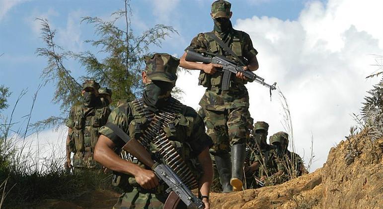 Grupos paramilitares agiram durante décadas no conflito interno da Colômbia