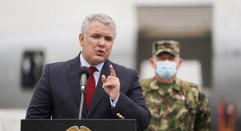 Presidente da Colômbia anunciou a abertura do país para afegãos que vão para os EUA