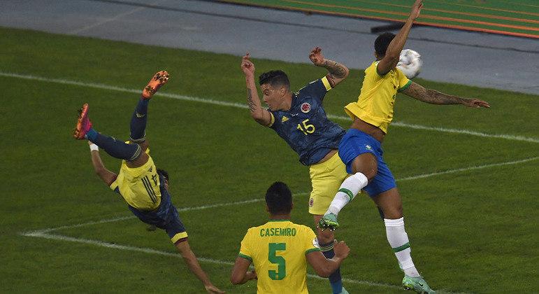 Golaço da Colômbia. Luis Díaz marcou de voleio. O gol mais bonito da Copa América