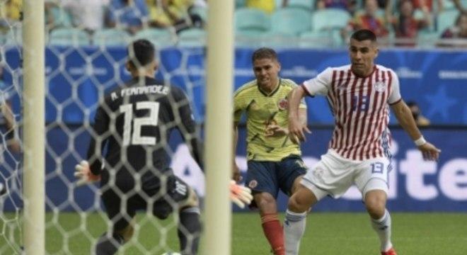 Cuéllar marcou contra o Paraguai