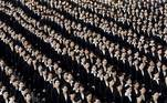 Tokyo (Japan), 03/04/2017.- A general view shows a multitude of new employees of Japan Airlines (JAL), all in black and white suits, attending the company entrance ceremony at Haneda airport in Tokyo, Japan, 03 April 2017 (reissued 25 May 2020). Black is synonymous with darkness and represents the total opposite of white. It is commonly used to symbolize danger, evil, death and mourning, but is also connected to positive notions like strength, elegance and sophistication. (Japón, Tokio) EFE/EPA/FRANCK ROBICHON ATTENTION: This Image is part of a PHOTO SET *** Local Caption *** 53433961