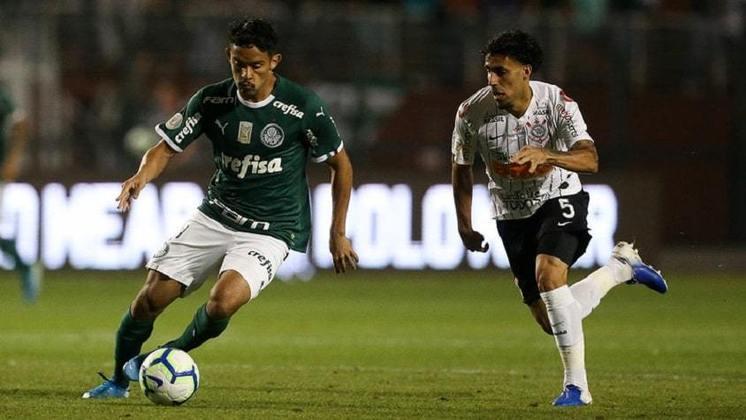 Com a vitória por 1 a 0 diante do Palmeiras no retorno do Paulistão, o Corinthians passou na frente do seu maior rival no retrsopecto depois de 54 anos. Agora são 128 vitórias do Corinthians, 127 do Palmeiras e 109 empates.
