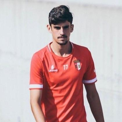 Com apenas 20 anos, o atacante português Francisco Trincão vem sendo preparado para ser um dos grandes nomes do Barcelona no futuro.