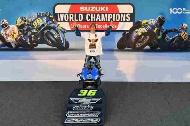 Com apenas uma vitória, se tornou o piloto campeão que menos ganhou em uma temporada