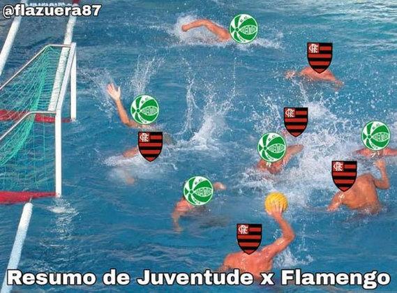 Com campo encharcado, equipe rubro-negra perdeu por 1 a 0 no Alfredo Jaconi e acabou virando piada nas redes. Confira! (Por Humor Esportivo)