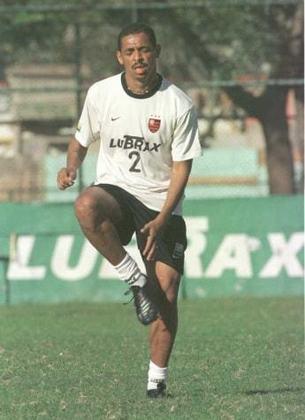 Com carreria vitoriosa por clubes e Seleção, Vampeta teve trajetória desastrosa no Flamengo no início do século. Ficou famoso pela frase: