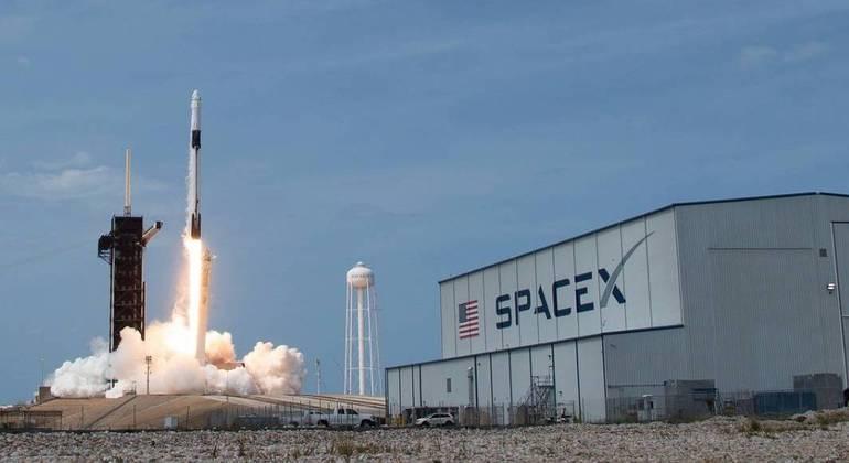 Foguete Falcon Heavy levará a missão da Nasa até a Europa, uma das luas de Júpiter