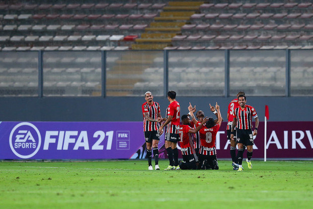 Com Crespo, o São Paulo atingiu um total de oito vitórias seguidas. Desde 2012 o time não chegava a nem mesmo sete vitórias em sequência.