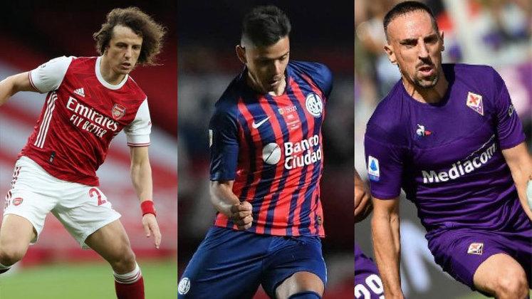 Com David Luiz especulado em alguns clubes do futebol brasileiro e europeu, o zagueiro chegaria de forma gratuita ao novo time, pois está sem contrato desde que deixou o Arsenal. Confira a lista dos jogadores que estão sem vínculo com nenhum clube.
