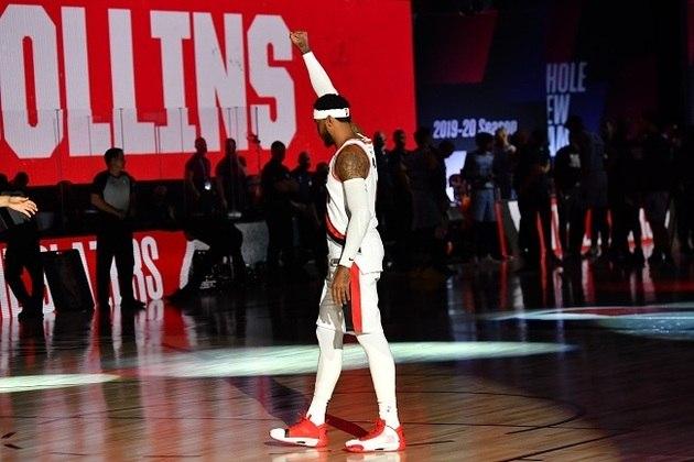 Com direito a dois jogos com prorrogação, a rodada de sexta-feira foi eletrizante. Teve Carmelo Anthony (foto) ajudando o Portland Trail Blazers a vencer o Memphis Grizzlies, assim como James Harden, que anotou 49 pontos sobre o Dallas Mavericks e Giannis Antetokounmpo, que brilhou em triunfo em cima do Boston Celtics