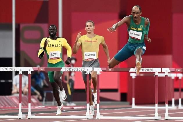Com direito a recorde sul-americano, Alison dos Santos garantiu vaga na final dos 400m com barreiras. O brasileiro venceu a segunda bateria da semifinal com o tempo de 47.31s.