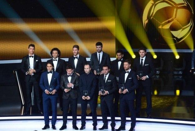 Com essa quantidade de conquistas, ele recebeu diversos prêmios individuais. Foi eleito o melhor goleiro nos anos de 2008, 2009, 2010, 2011 e 2012 pela IFFHS; esteve no time da Copa de 2010 e no time do ano da UEFA em várias oportunidades; troféu Zamora; Luva de Ouro, entre outros.