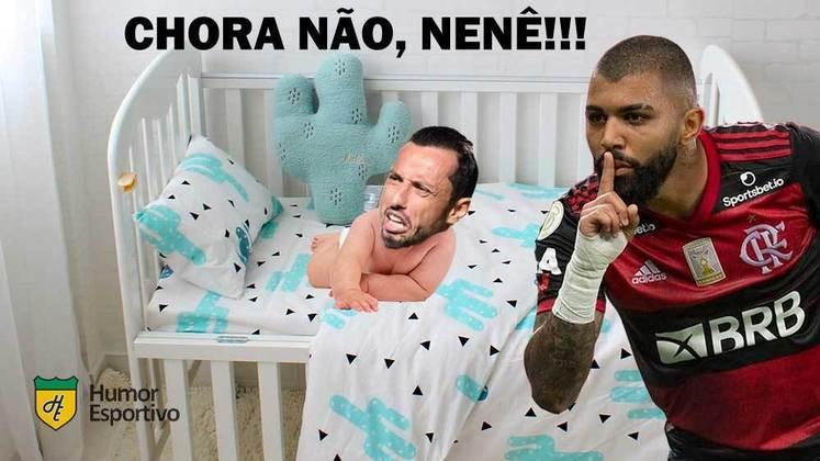 Com gols de Filipe Luís e Gabigol (Digão descontou nos acréscimos), o Flamengo venceu o Fluminense por 2 a 1 e fez a festa dos rubro-negros nas redes sociais. Nos memes, não faltaram provocações aos rivais. Confira na galeria!