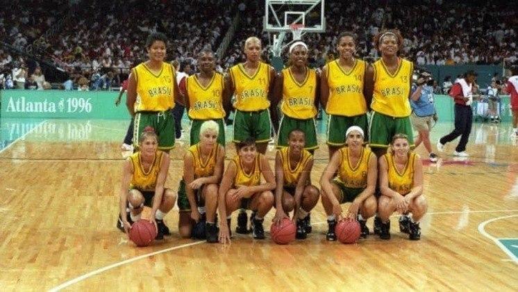 Com Hortência e Paula na dianteira, a Seleção feminina de basquete foi medalha de prata nos Jogos Olímpicos de Atlanta, em 1996. A equipe havia sido campeã do mundo dois anos antes.