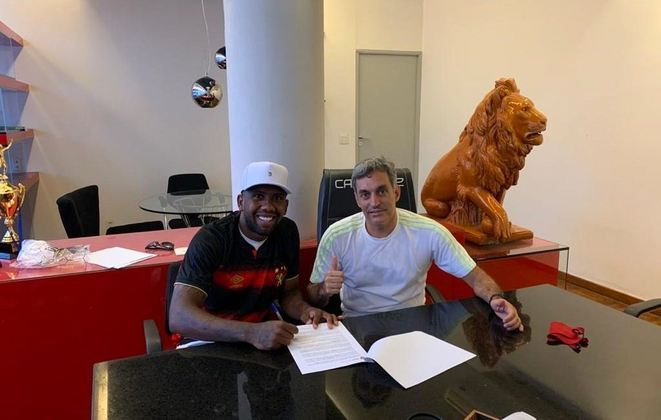 Com interesse de Bahia e Fortaleza, Toró preferiu se transferir ao Sport até o final desta temporada. Seu contrato com o Tricolor vai até dezembro de 2022.