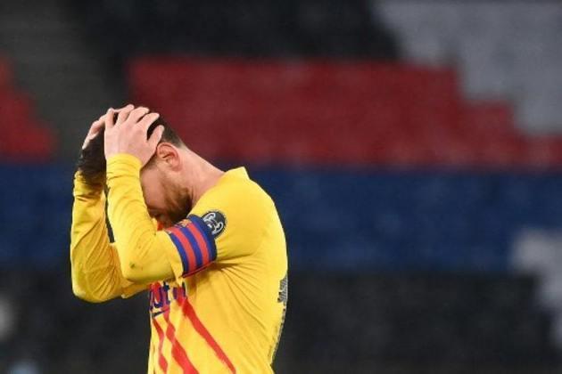Com lesão muscular no adutor da coxa esquerda, Neymar também ficou de fora das duas partidas do PSG contra o Barcelona, pela Champions League, em março de 2021. O placar agregado foi 5 a 2 para o time parisiense e Messi foi eliminado com o Barça