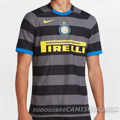 Com linhas horizontais em preto e cinza escuro, o novo terceiro uniforme da Inter de Milão é uma homenagem ao clássico uniforme do clube nos anos 90, época em que Ronaldo Fenômeno brilhou pela Inter