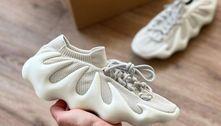 Com modelo bizarro e preço alto, o tênis criado por Kanye West esgota em 1 minuto e reforça tendência
