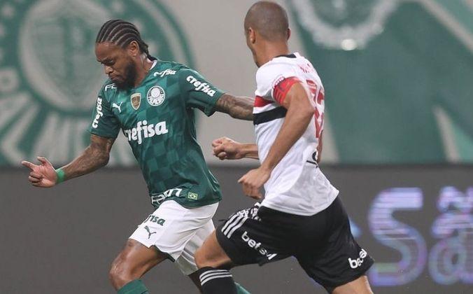 Com o chaveamento do mata-mata da Libertadores de 2021, São Paulo e Palmeiras se enfrentarão nas quartas de final do torneio. Essa não é a primeira vez que rivais brasileiros se encontram na fase eliminatória da competição. Relembre os duelos entre brasileiros no mata-mata da Libertadores de 2001 até hoje!