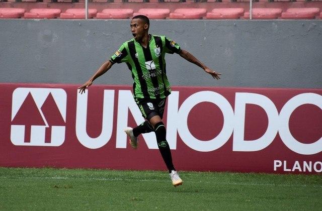 Com oito gols marcados e três assistências, o atacante Ademir foi o artilheiro do América-MG na Série B, um dos principais jogadores do Coelho na temporada e agora é alvo do Palmeiras.