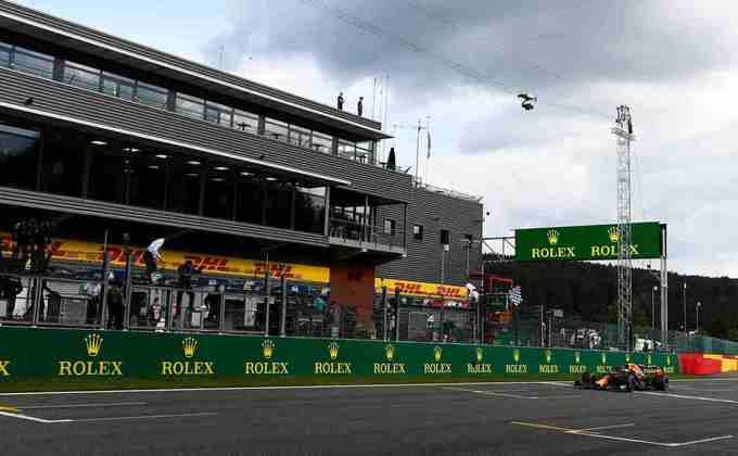 Com outro pódio, Max Verstappen manteve a vice-liderança do campeonato