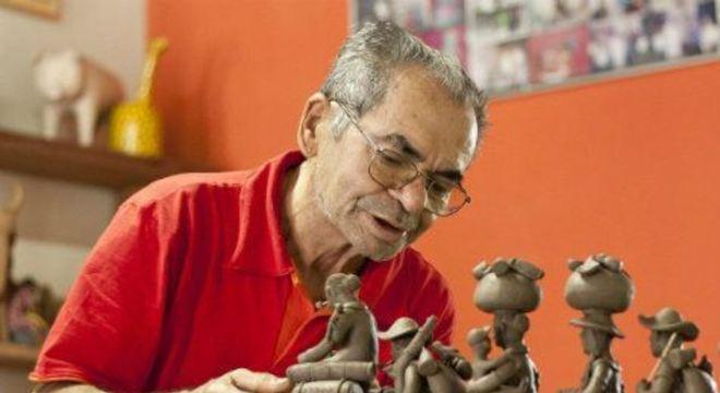 Com textos do jornalista e antropólogo Bruno Albertim, publicação aborda a trajetória do mestre ceramista, fruto da primeira geração de artistas do Alto do Moura, em Caruaru