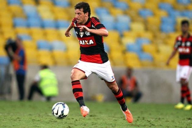Com trajetória vitoriosa em Santos e Seleção, o versátil meio-campista Elano teve passagem curta e sem brilho pelo Flamengo em 2014. Deixou o clube após fazer apenas 15 partidas.