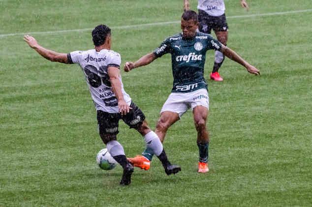 Com três gols em cinco minutos, o Palmeiras venceu o Ceará por 3 a 0, no Allianz Parque, e deu passo importante por vaga nas semifinais da Copa do Brasil. O garoto Gabriel Veron foi o grande nome do Verdão na partida, marcando um gol e dando uma assistância. Veja as notas para o Palmeiras no jogo. (Por Nosso Palestra)