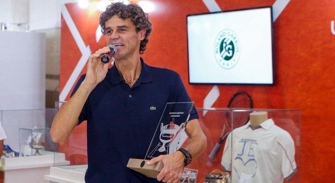 Com troféu, Guga se tornou embaixador oficial de Roland Garros