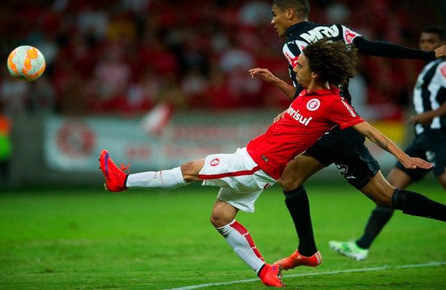 Com um placar agregado de 5 a 3, o Internacional eliminou o Atlético-MG nas oitavas da Libertadores de 2015.