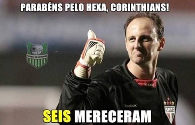 Com um time quase todo reserva e com o hexacampeonato brasileiro já na conta, o Corinthians goleou o São Paulo por 6 a 1 no Brasileirão 2015 e fez com que as zoações bombassem nas redes sociais.