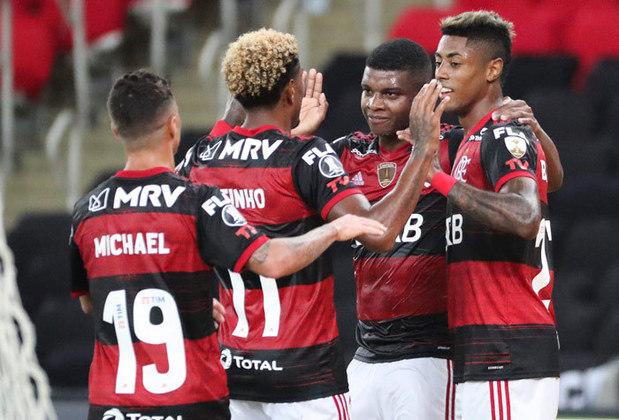 Com uma equipe alternativa, o Flamengo não encontrou dificuldades para vencer o Junior Barranquilla por 3 a 1 nesta quarta, no Maracanã, encerrando a fase de grupos em primeiro lugar da chave. Confira as notas do Lance! (Por Matheus Dantas - matheusdantas@lancenet.com.br)