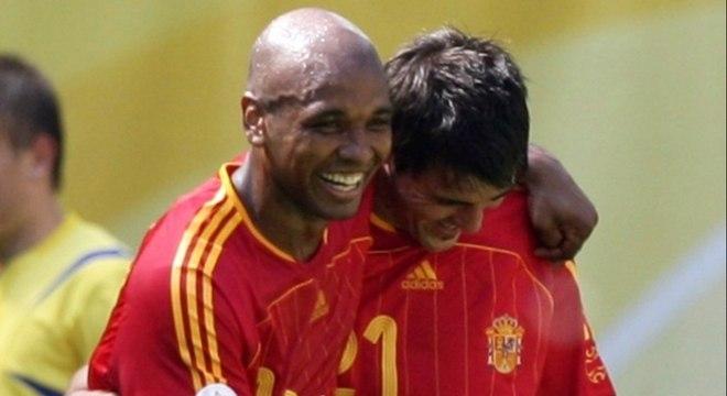Com uma passagem marcante pelo Villarreal, o meia Marcos Senna defendeu a seleção espanhola em 28 partidas, com um gol marcado. (Reprodução)