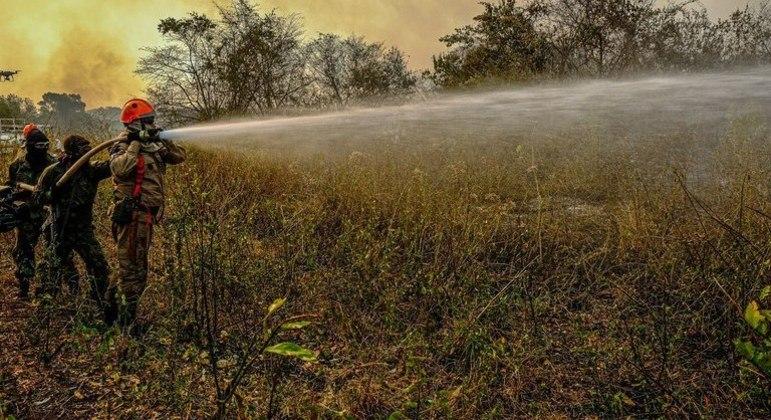 Combate a queimadas é uma das prioridades do governo, segundo o ministro Joaquim Leite