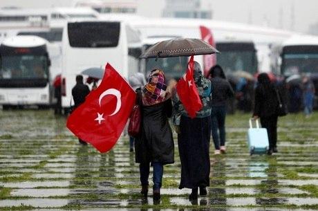 Mulheres viajaram em solidariedade às sírias