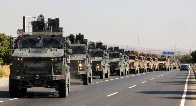 Comboio turco preparando ofensiva no nordeste da Síria, após anúncio de saída de tropas americanas da região