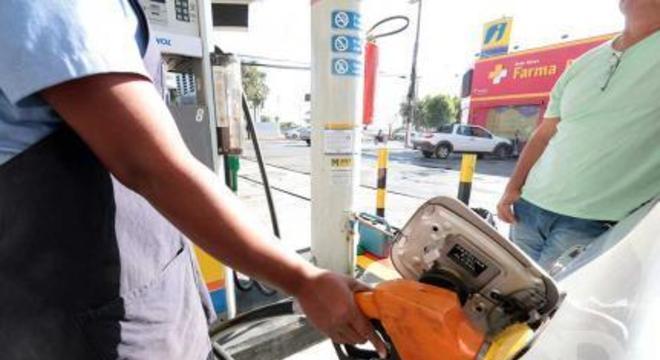 Combustível / Álcool / Gasolina / Valor / Custo / Posto / postos
