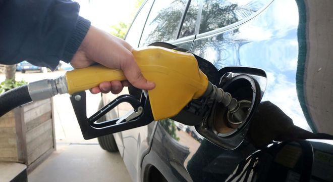 Boa parte da gasolina vendida já atende às especificações, diz ANP
