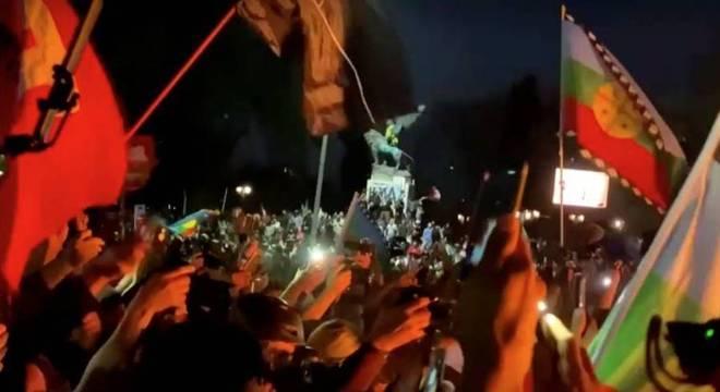 Comemoração após resultado do plebiscito em Santiago, no Chile