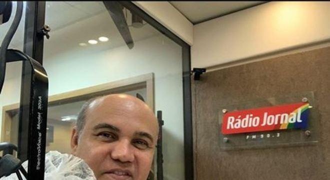 Comentarista da Rádio Jornal estava há 11 dias em coma induzido, após ser diagnosticado com o novo coronavírus