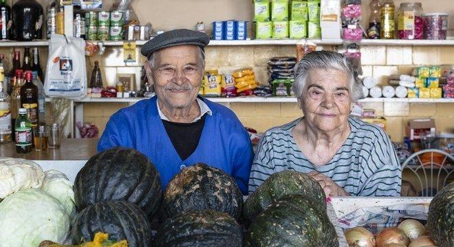 Os comerciantes Porfírio Valente, de 91 anos, e Maria de Lourdes Valente, de 88, foram desalojados de seu apartamento em abril