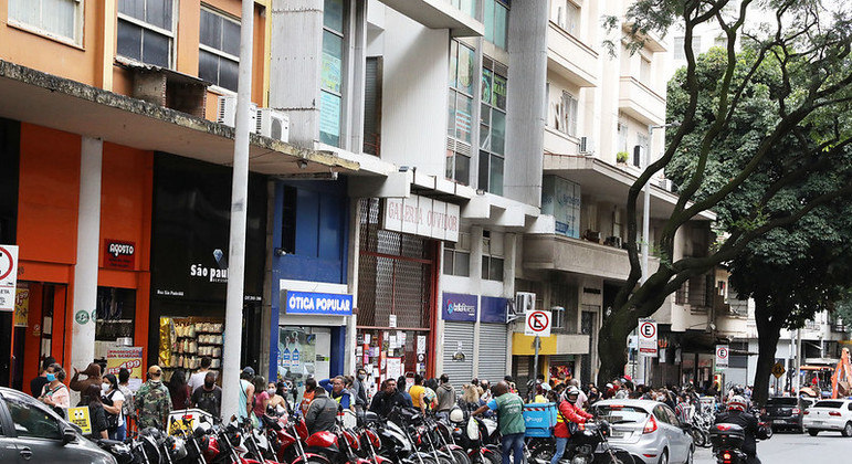 Prefeitura anuncia novas medidas de restrição devido a alta de casos em BH