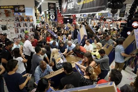 Governo tenta reeditar sucesso da Black Friday