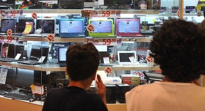 Lojas devem faturar este mês R$ 79,2 bi contra R$ 84,2 bi de dezembro