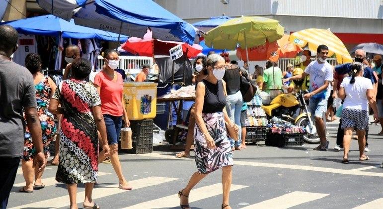 Comércio em Salvador (BA): ruas cheias e perigosas