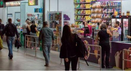 Metrô abre licitação para conceder áreas comerciais