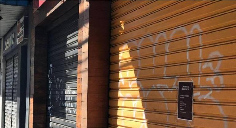 A prefeitura suspendeu o alvará de estabelecimentos não-essenciais em 11 de janeiro