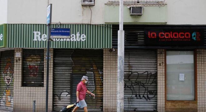 Estabelecimentos devem ser limpos apesar de estarem fechados na quarentena