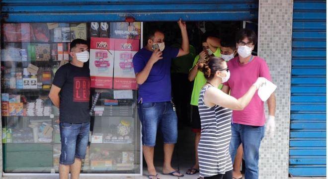 É obrigatório uso de máscaras em comércios de SP por clientes e funcionários